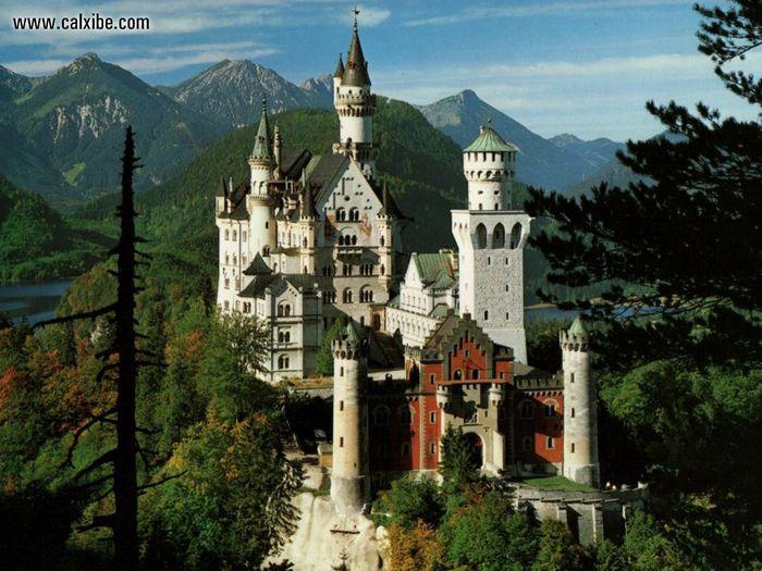 Замок Нойшванштайн2 (700x525, 84Kb)
