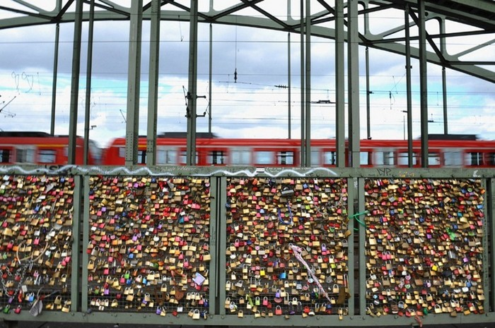 love-locks-3 (700x465, 138Kb)