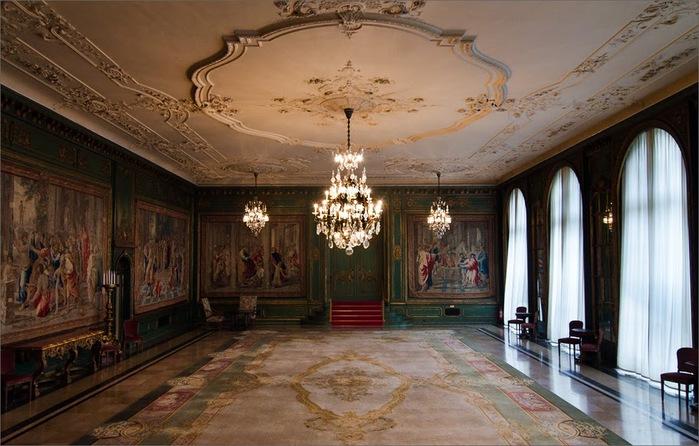 Виллa Хюгель (Виллa на холме) - родовое имение знаменитых Круппов. 99880