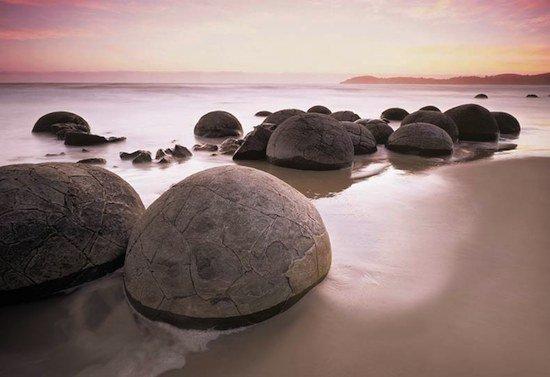 Фотообои фотообои художественные - Валуны у моря.