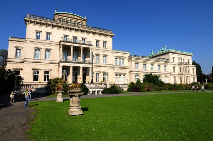 Виллa Хюгель (Виллa на холме) - родовое имение знаменитых Круппов. 18594