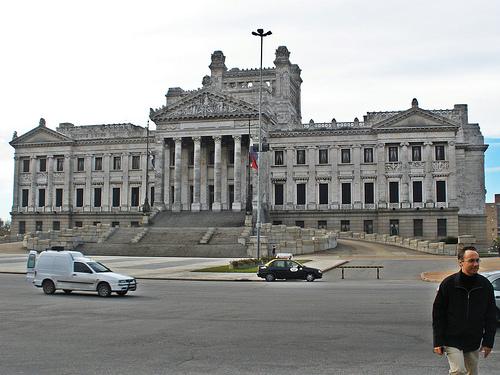 3676705_uruguaylegislativepalace (500x375, 135Kb)