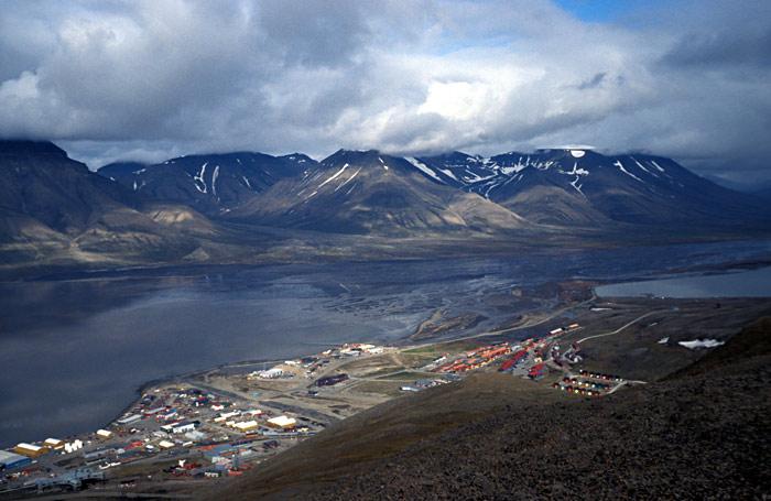 3511832_Longyearbyen4 (700x455, 82Kb)