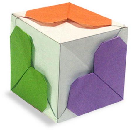 сердце оригами из бумаги,как сделать сердце оригами,оригами сердечко из бумаги,бумажные сердечки,идеи ко дню святого валентина/4395419_origami_heart12 (450x448, 66Kb)