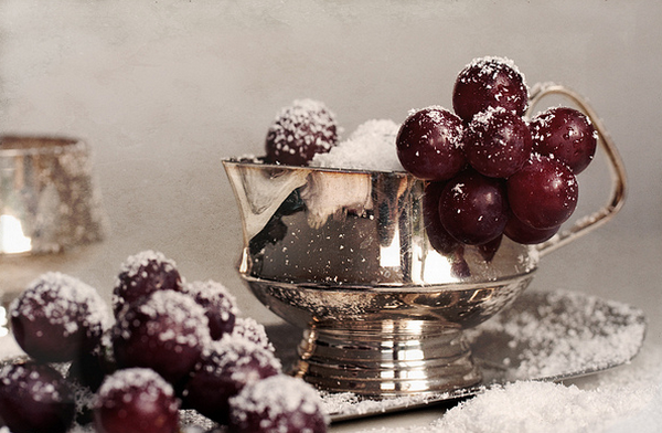 4080226_75979209_Winter_still_life_with_cherries__Flickr__Photo_Sharing (600x392, 525Kb)