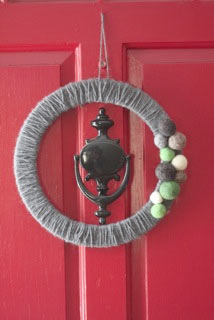 4188636_Felted_Ball_Wreath (214x320, 12Kb)