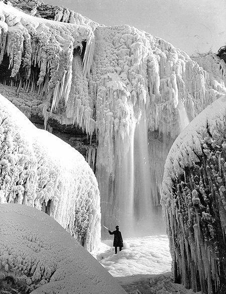 замерзший водопад/4348076_zamerzshii_vodopad (450x585, 76Kb)