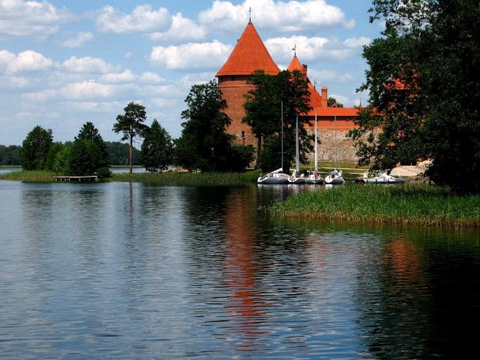 Тракайский замок недалеко от Вильнюса 62261