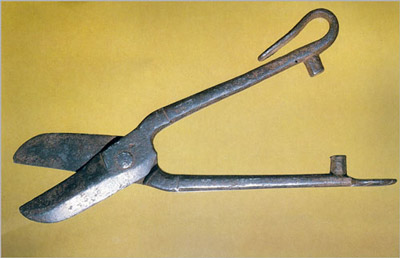 Ножницы жестянщика. Испания, 17 в. (400x258, 26Kb)