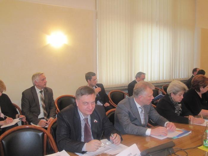 Заседание аграрного комитета Госдумы 9 февр.2012 002 (700x525, 76Kb)