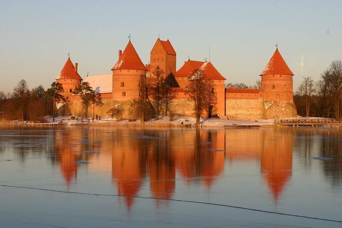 Тракайский замок недалеко от Вильнюса 55062