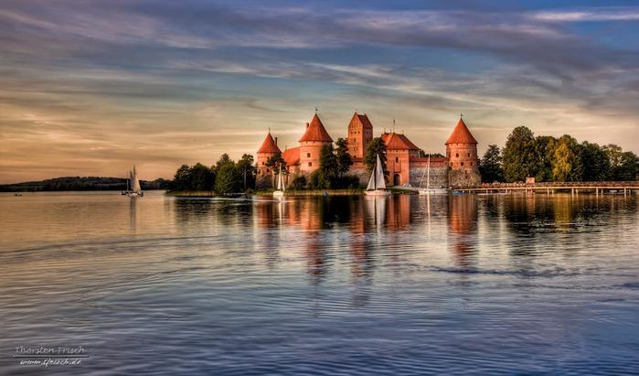 Тракайский замок недалеко от Вильнюса 64350