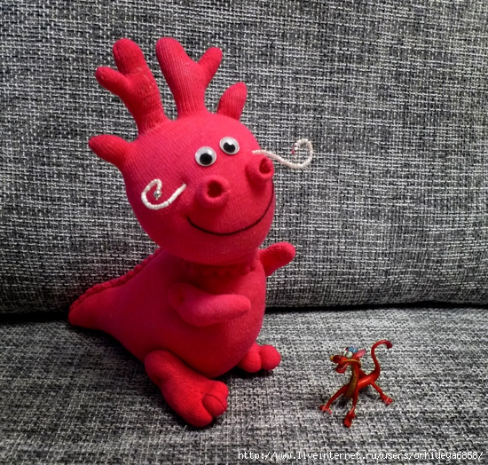 Как сшить дракона из носка