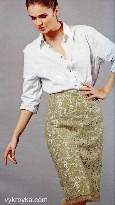 Кружевная прямая юбка с цельнокроеным.
