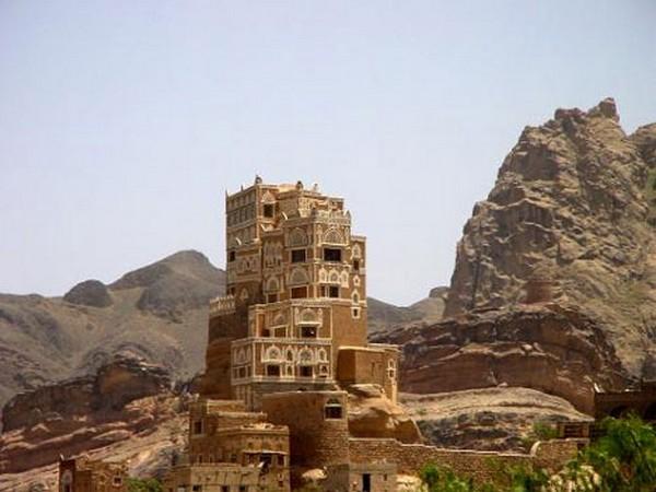 Необычные и красивые города на скалах - Дар аль Хайяр 2 (600x450, 61Kb)