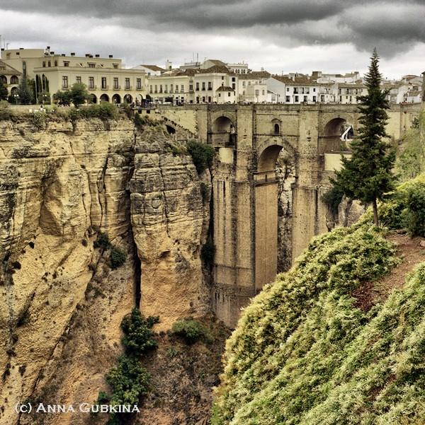 Необычные и красивые города на скалах - Ронда 2 (600x601, 203Kb)
