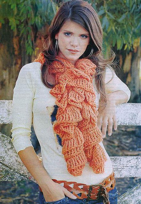 <шарф с воланами крючком