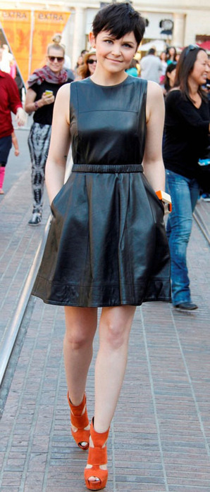 ginnifer-goodwin-extra-appearance-at-the-grove-05 (298x700, 82Kb)