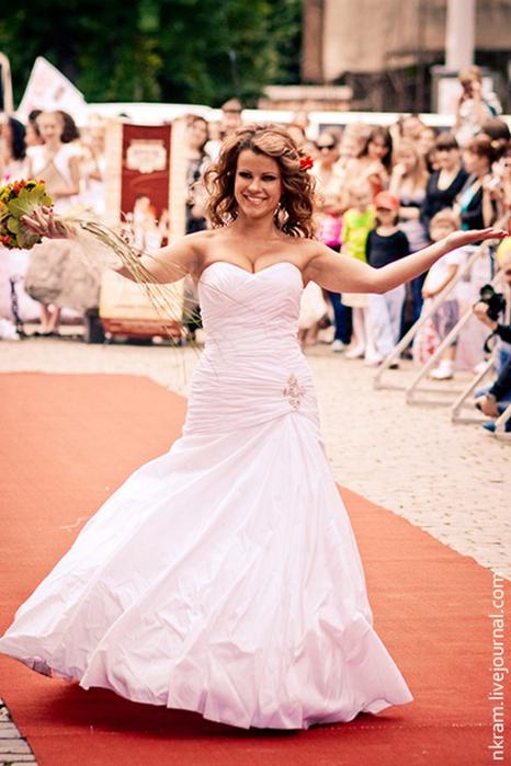 Одесский парад невест 6 (466x700, 361Kb)