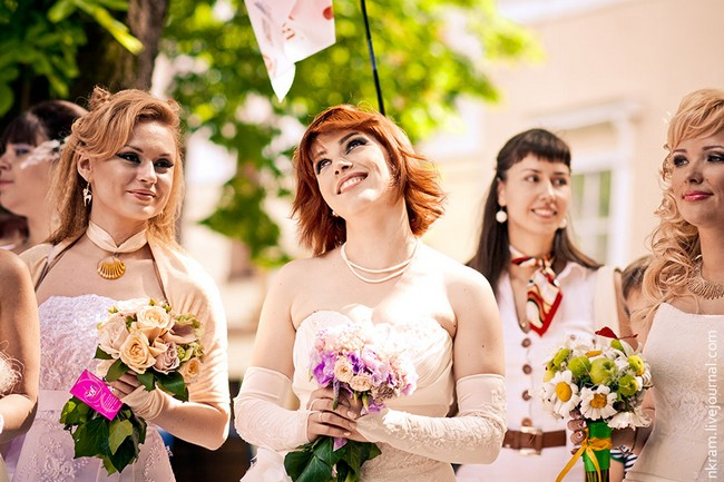 Одесский парад невест 10 (650x433, 92Kb)