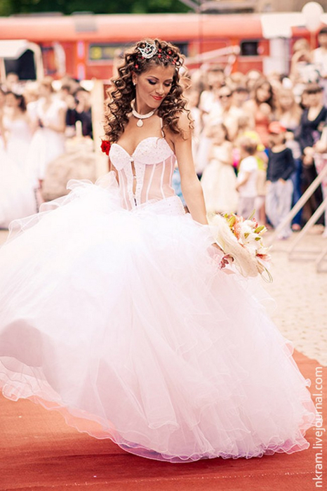 Одесский парад невест 12 (466x700, 315Kb)