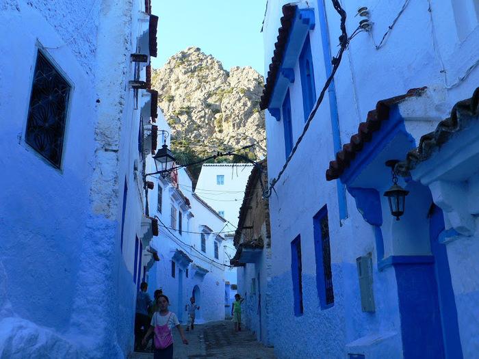 В голубом этот город всплыл, Чистота или утро в нем. 10794
