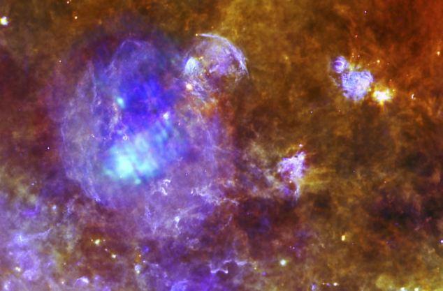 1353049601_nasa-opublikovala-krasochnuyu-fotografiyu-umirayuschey-zvezdy (634x417, 41Kb)