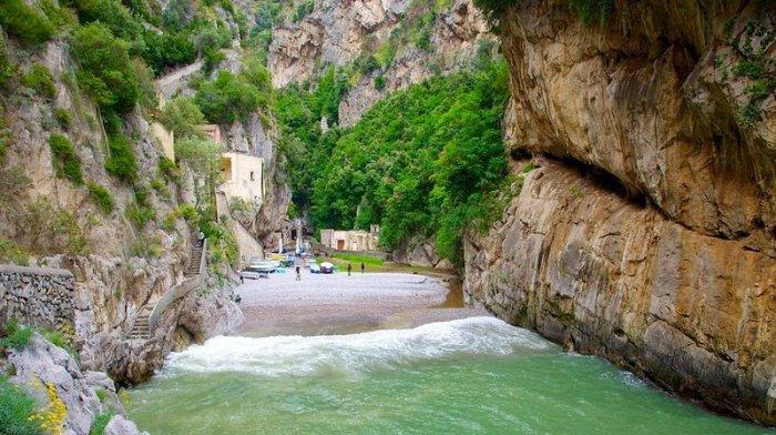 итальянская деревня фуроре 4 (700x392, 329Kb)