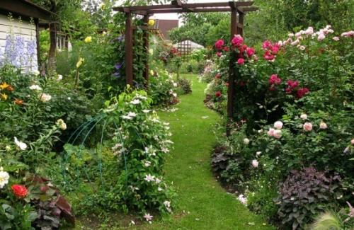 садовая дорожка своими руками, как сделать дорожку для дачи своими руками, какие бывают садовые дорожки, виды садовых дорожек, сделать дорожку на даче самостоятельно,  /1430973883_20121011_112553e1394140146105500x325 (500x325, 401Kb)
