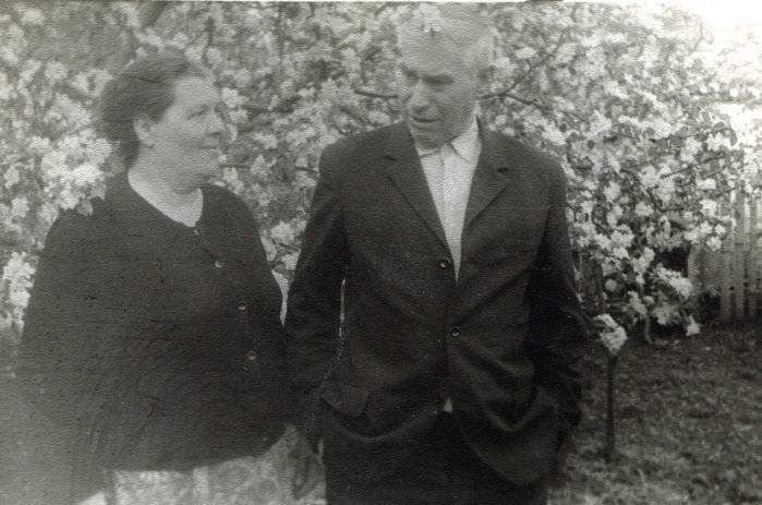 Соломатины Семен Андреевич и Ксения Герасимовна (700x463, 329Kb)