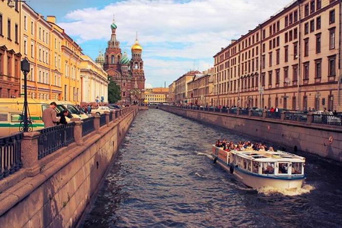 alt=Аренда катеров и теплоходов в Санкт-Петербурге/2835299_Izmenenie_razmera_TEPLOHOD (700x466, 68Kb)