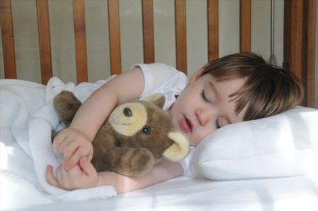 спит ребенок (450x299, 96Kb)