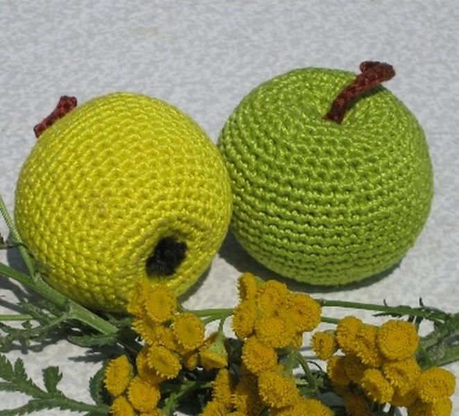 Вязание крючком яблочки 72