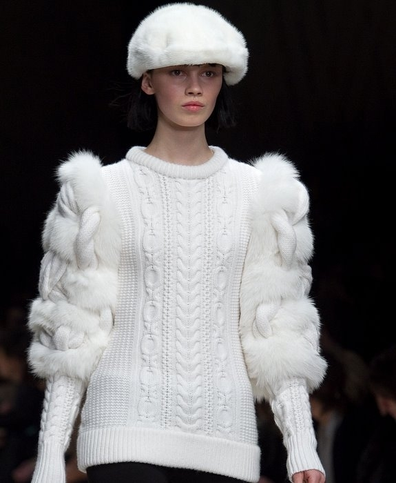 вязаный-пуловер-Burberry1 (575x700, 173Kb)