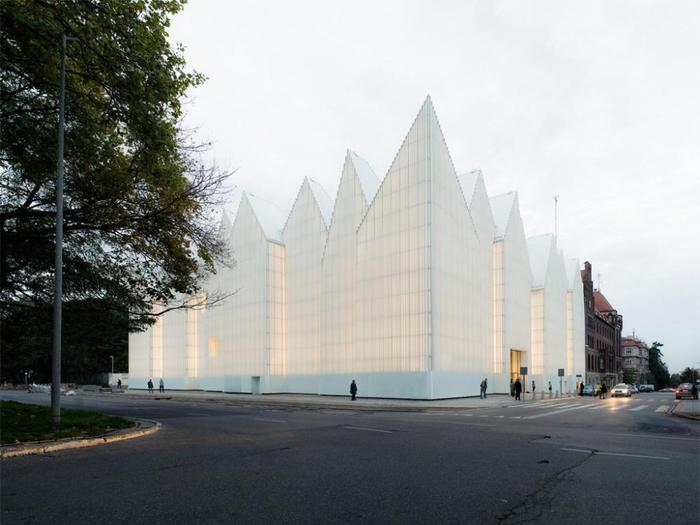 Здание филармонии в Щецине, Польша (700x525, 278Kb)