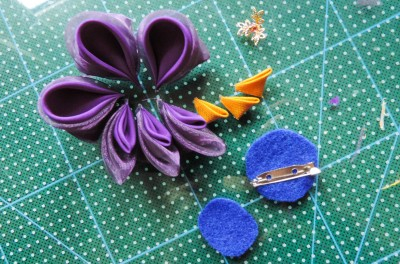Tutorial-floare-de-iris-matase-organza-25-400x264 (400x264, 163Kb)