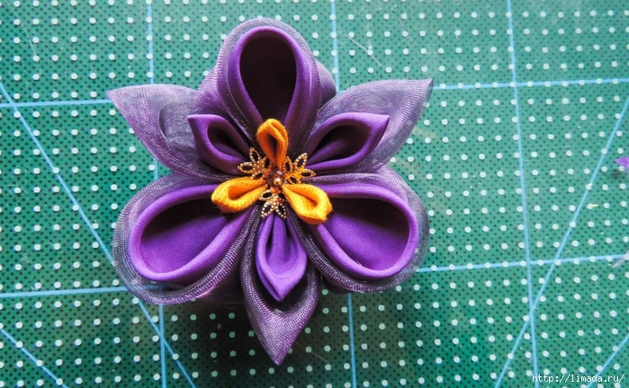 Tutorial-floare-de-iris-matase-organza-31-825x510 (700x432, 317Kb)
