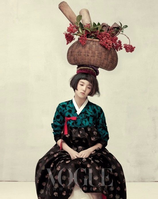 модная фотосессия Vogue Корея 6 (550x693, 206Kb)