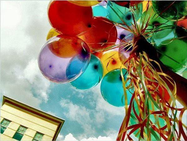 Чудесные и красочные воздушные шары Днепропетровск сегодня украшают и настроения добавляют!
