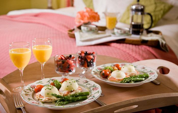 романтический завтрак и джакузи