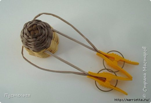 Плетение из газетных трубочек. Птичка СИНИЧКА (15) (520x353, 69Kb)