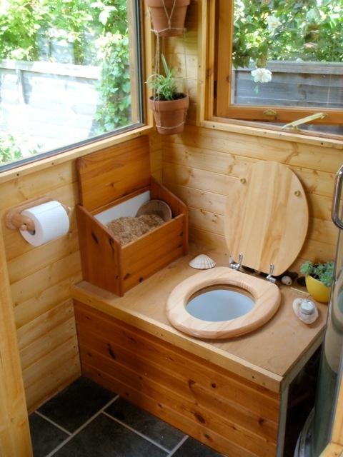 Туалет на даче2 (480x640, 283Kb)