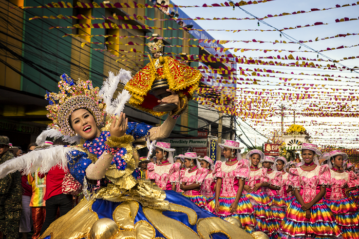 Sinulog-Queen (700x466, 714Kb)