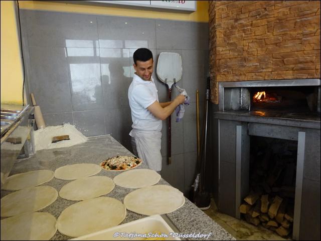 Пицца в Старом городе в Дюссельдорфе