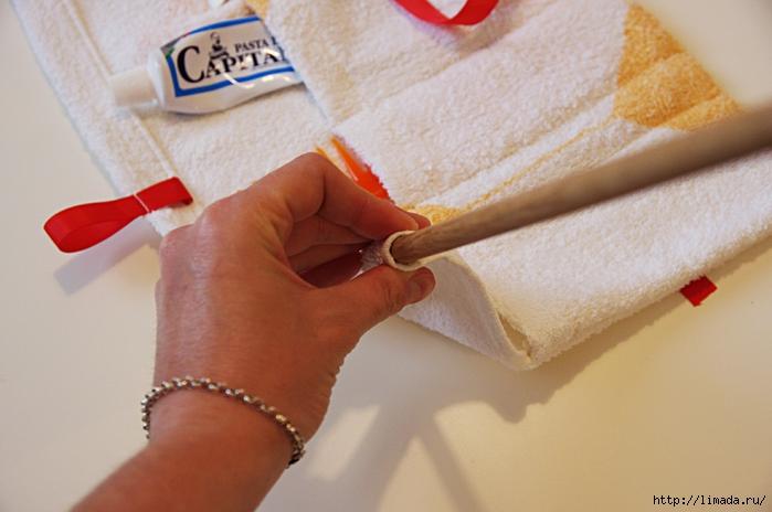 come-creare-una-pochette-da-viaggio-con-il-riciclo-di-un-asciugamano9 (700x464, 213Kb)