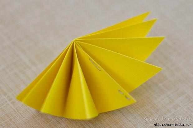 Цветная гирлянда из бумажных звезд (12) (620x413, 111Kb)