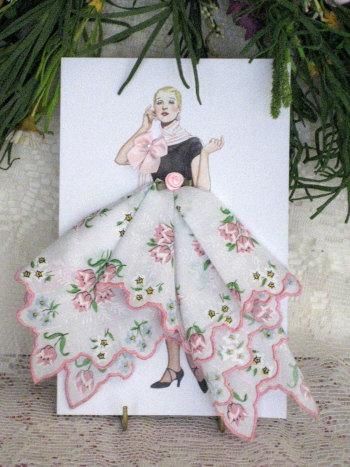 Винтажные открытки с дамами в юбках из носовых платков (10) (350x467, 156Kb)