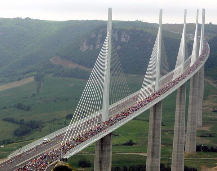 millau-viaduct-france (700x551, 426Kb)