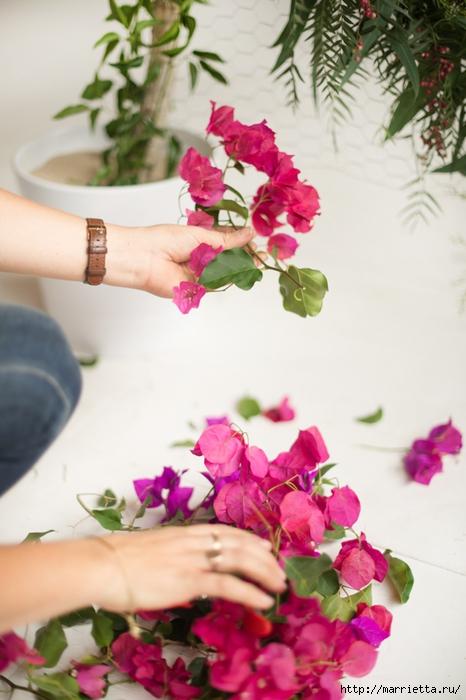 Красивая идея оформления бумажными цветами свадебного торжества (11) (466x700, 225Kb)