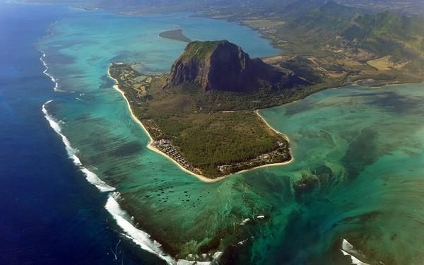 подводный-водопад-остров-маврикий-4- (600x375, 204Kb)
